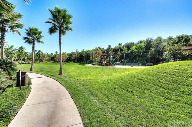 Additional photo for property listing at 19 Tigerlily  Lake Forest, Kalifornien,92630 Vereinigte Staaten