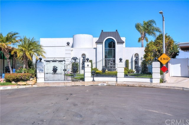 Single Family for Sale at 4200 Don Alegre Place Baldwin Hills, California 90008 United States