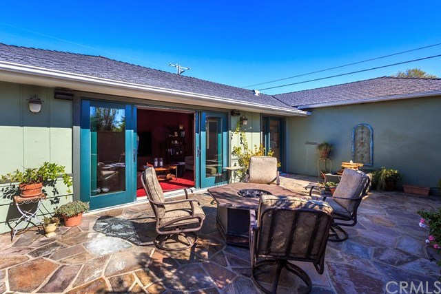 Single Family for Sale at 964 Linden Place Costa Mesa, California 92627 United States