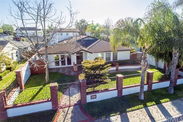 Single Family for Sale at 423 Magnolia Street Costa Mesa, California 92627 United States