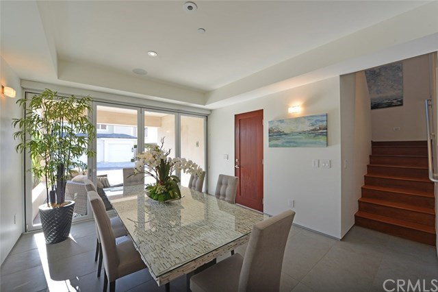 Additional photo for property listing at 2618 Cove Street  Corona Del Mar, California,92625 Hoa Kỳ