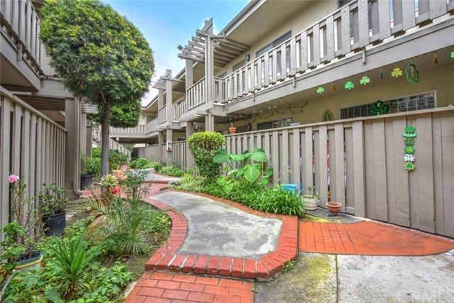 Condo / Townhome / Loft for Sale at 3245 Santa Fe Avenue # Unit 155 Long Beach, California 90810 United States