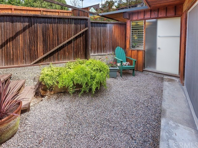 Additional photo for property listing at 1284 Temple Ter  Laguna Beach, California,92651 Estados Unidos