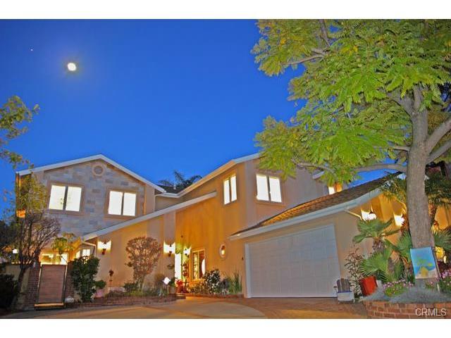 Single Family for Sale at 21722 Esmalte Mission Viejo, California 92692 United States