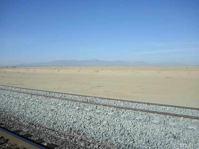 Additional photo for property listing at Honey Wagon Rd  Niland, California 92257 United States