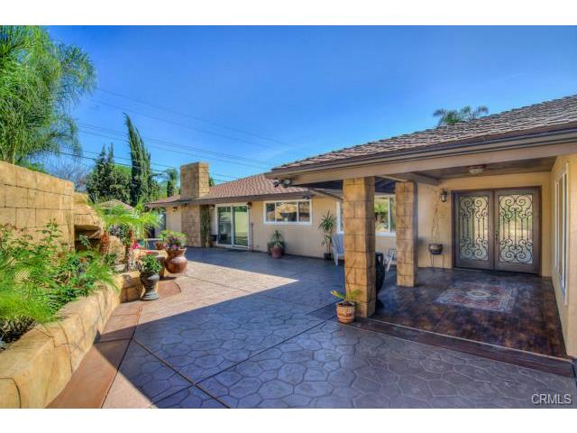 Single Family for Sale at 13512 Prospect Avenue North Tustin, California 92705 United States