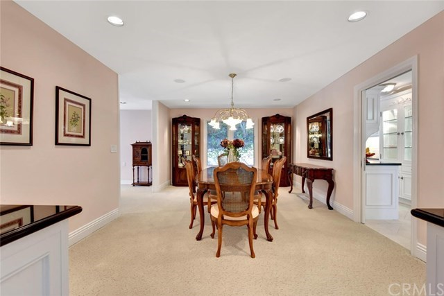 Additional photo for property listing at 10412 Boca Canyon  North Tustin, Калифорния,92705 Соединенные Штаты