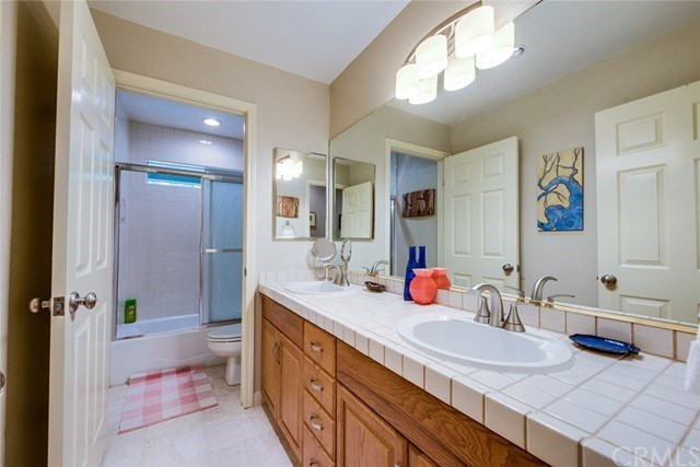 Additional photo for property listing at 12551 El Roy Drive  North Tustin, California,92705 United States