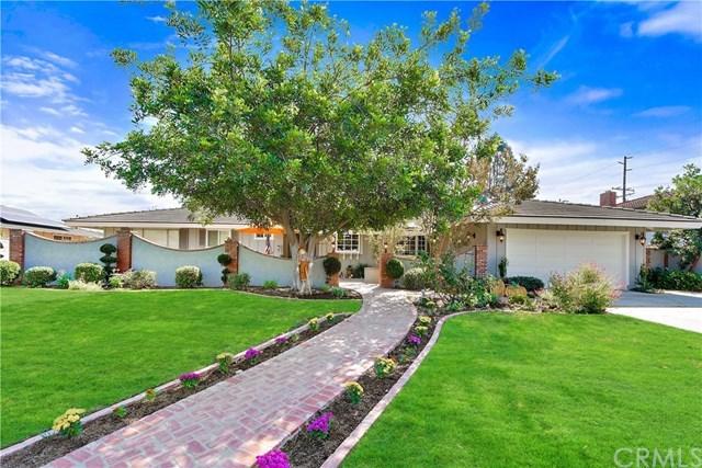 Maison unifamiliale pour l Vente à 12212 Woodlawn Avenue 12212 Woodlawn Avenue North Tustin, Californie,92705 États-Unis