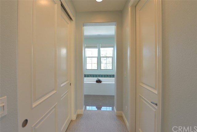 Additional photo for property listing at 8386 Noelle Drive  Huntington Beach, 캘리포니아,92646 미국