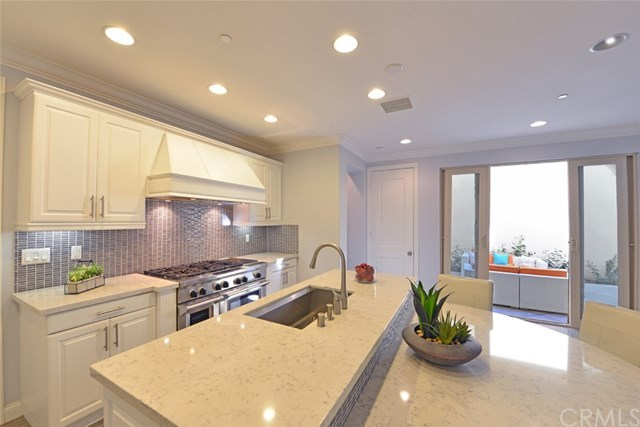 Additional photo for property listing at 8386 Noelle Drive  Huntington Beach, Californië,92646 Verenigde Staten