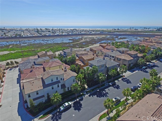 Additional photo for property listing at 8386 Noelle Drive  Huntington Beach, Californie,92646 États-Unis
