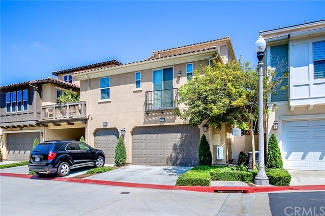 biệt thự / Nhà phố vì Bán tại 8407 Noelle Drive 8407 Noelle Drive Huntington Beach, California,92646 Hoa Kỳ