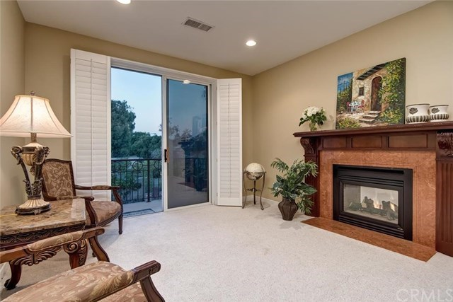 Additional photo for property listing at Beautiful Cambria Collection Home in Huntington Beach 19912 Newfoundland Circle Huntington Beach, Califórnia,92648 Estados Unidos