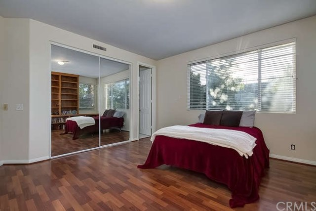 Additional photo for property listing at 18921 Silverbit Lane  Huntington Beach, California,92648 United States