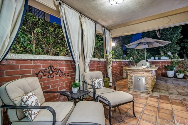 Additional photo for property listing at 19441 Ironwood Lane  Huntington Beach, California,92648 Hoa Kỳ