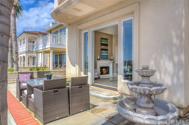 Additional photo for property listing at 829 Frankfort Avenue  Huntington Beach, カリフォルニア,92648 アメリカ合衆国
