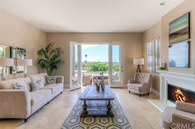 Additional photo for property listing at 829 Frankfort Avenue  Huntington Beach, California,92648 United States
