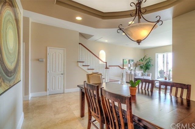 Additional photo for property listing at 829 Frankfort Avenue  Huntington Beach, Californie,92648 États-Unis