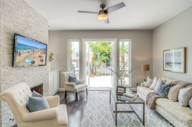 Additional photo for property listing at 318 15th Street  Huntington Beach, California,92648 Stati Uniti