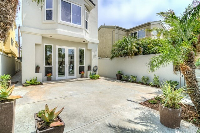 Additional photo for property listing at 318 15th Street  Huntington Beach, Californie,92648 États-Unis