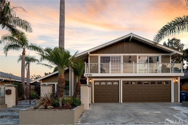 Maison unifamiliale pour l Vente à 19782 Quiet Bay Lane Huntington Beach, Californie,92648 États-Unis