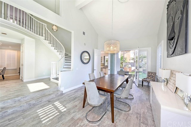 Additional photo for property listing at 19056 Stonehurst Lane 19056 Stonehurst Lane Huntington Beach, Kalifornien,92648 Vereinigte Staaten