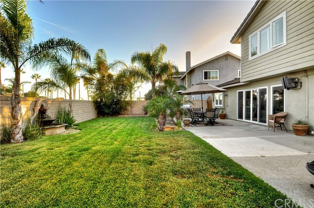 Additional photo for property listing at 18192 Foss Lane  Huntington Beach, California,92648 Estados Unidos