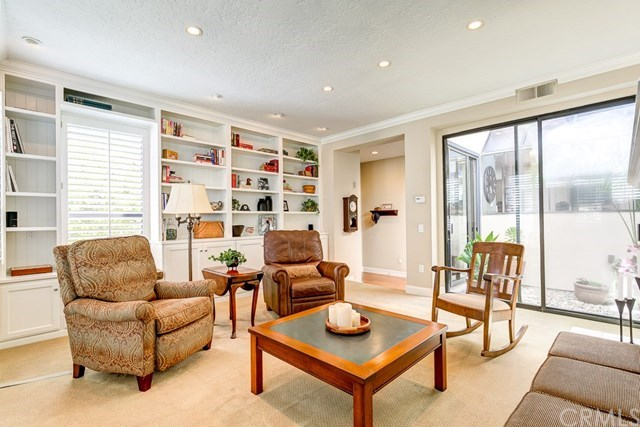 Additional photo for property listing at 10 Southwind # Unit 51  Irvine, California,92614 Hoa Kỳ