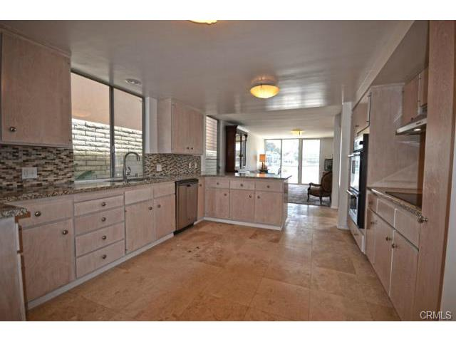Additional photo for property listing at 4014 Humboldt Drive  Huntington Beach, Californie,92649 États-Unis
