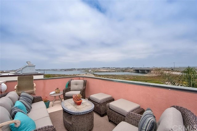 Additional photo for property listing at 34c Pacific Avenue  Surfside, California,90743 Stati Uniti