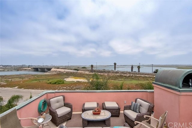 Additional photo for property listing at 34c Pacific Avenue  Surfside, Καλιφορνια,90743 Ηνωμενεσ Πολιτειεσ