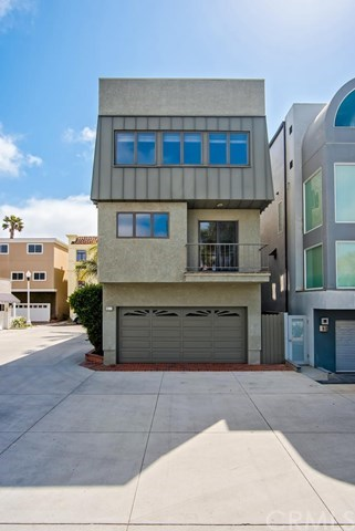 Additional photo for property listing at 71 B Surfside Avenue  Surfside, California,90743 Estados Unidos