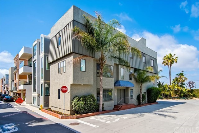 Vivienda unifamiliar por un Venta en 71 B Surfside Avenue Surfside, California,90743 Estados Unidos