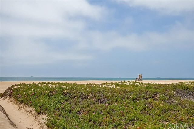 Additional photo for property listing at 17145 S. Pacific Avenue  Sunset Beach, カリフォルニア,90742 アメリカ合衆国