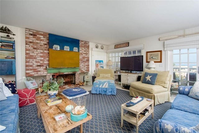 Additional photo for property listing at 23 A Surfside Avenue 23 A Surfside Avenue Surfside, Калифорния,90743 Соединенные Штаты