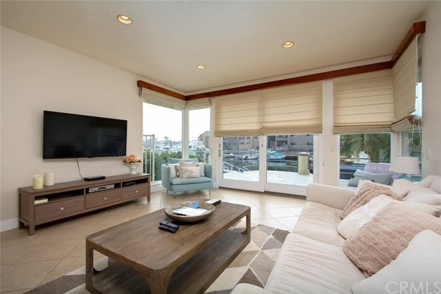 Additional photo for property listing at 17041 Marinabay Drive 17041 Marinabay Drive Huntington Beach, Califórnia,92649 Estados Unidos