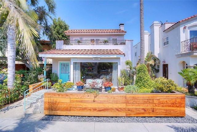 Single Family Home for Sale at 111 Rivo Alto Canal Long Beach, California,90803 United States