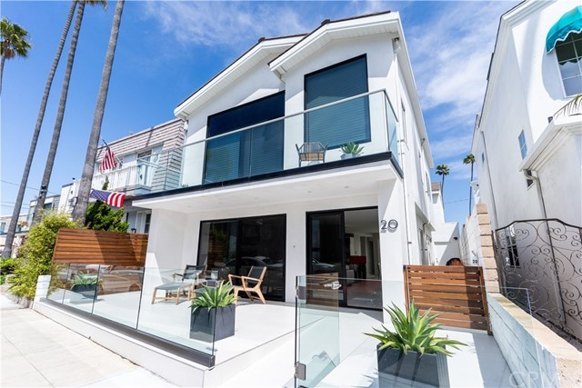 20 Palermo Walk: a luxury home for sale in Long Beach, Los Angeles County ,  California - Property ID:OC18235749   Christie's International Real Estate