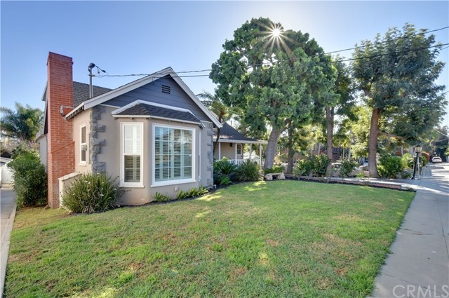 Single Family Home for Sale at 374 Tremont Avenue 374 Tremont Avenue Long Beach, California,90814 United States
