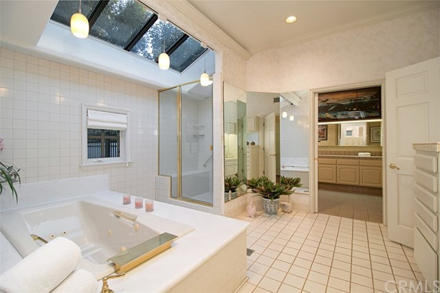 Additional photo for property listing at 1808 Windes Drive  Orange, California,92869 Hoa Kỳ
