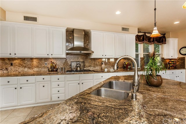 Additional photo for property listing at 1190 S. Summer Breeze Lane  Anaheim Hills, California,92808 United States