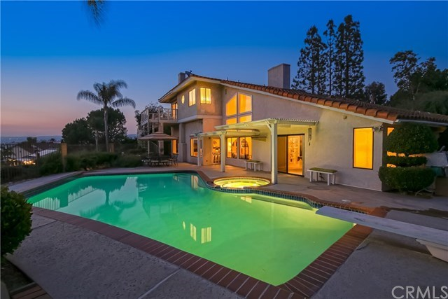 Additional photo for property listing at 335 Via Montanera  Anaheim Hills, カリフォルニア,92807 アメリカ合衆国