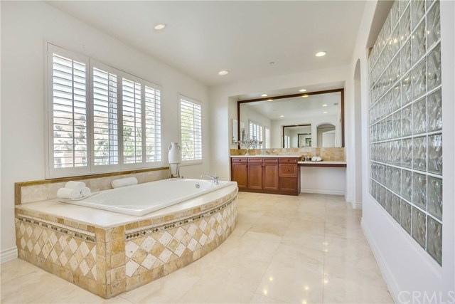Additional photo for property listing at 21661 Casino Ridge Road 21661 Casino Ridge Road Yorba Linda, Californië,92887 Verenigde Staten