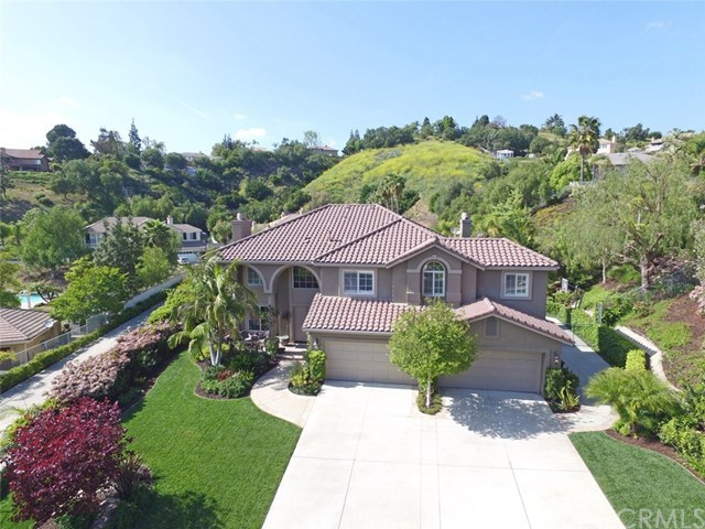 Maison unifamiliale pour l Vente à 27825 Elk Mountain Drive Yorba Linda, Californie,92887 États-Unis