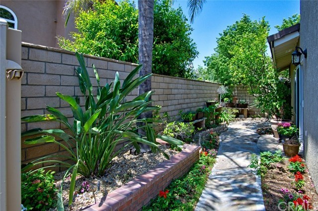 Additional photo for property listing at 21740 Mackenzie Avenue 21740 Mackenzie Avenue Yorba Linda, California,92887 United States