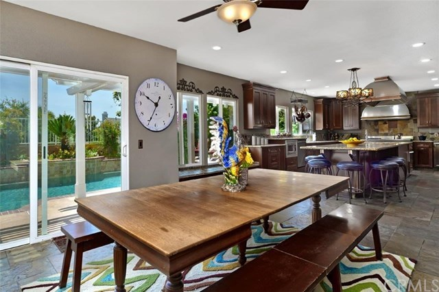 Additional photo for property listing at 21740 Mackenzie Avenue  Yorba Linda, Californie,92887 États-Unis