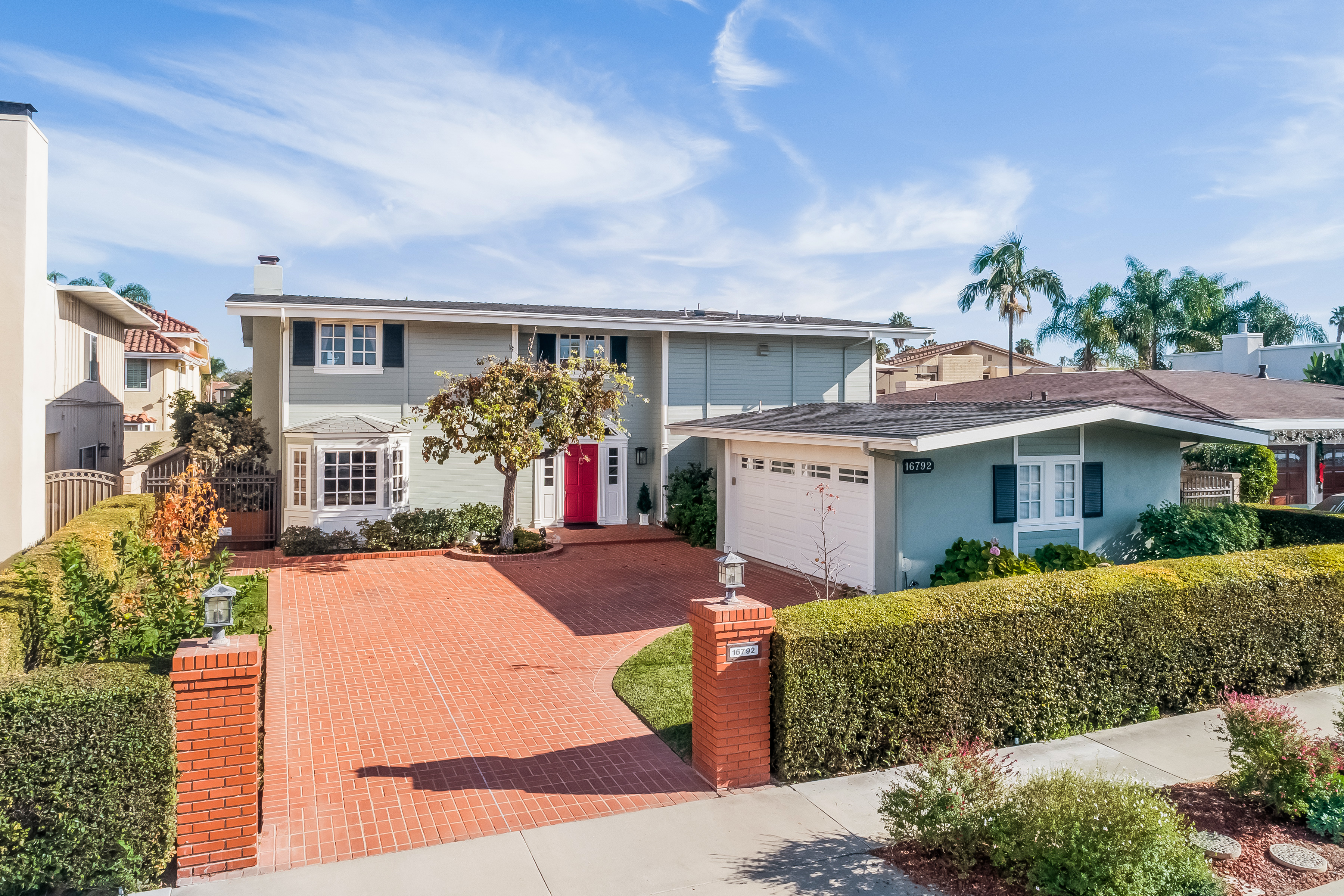 Single Family Home for Sale at 16792 Edgewater Lane 16792 Edgewater Lane Huntington Beach, California,92649 United States